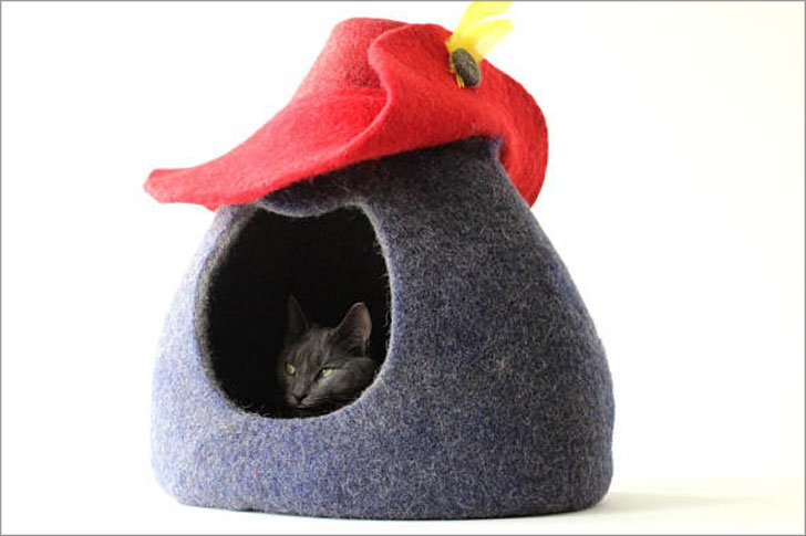 Puss in Boots Wool Felted Cat Bed