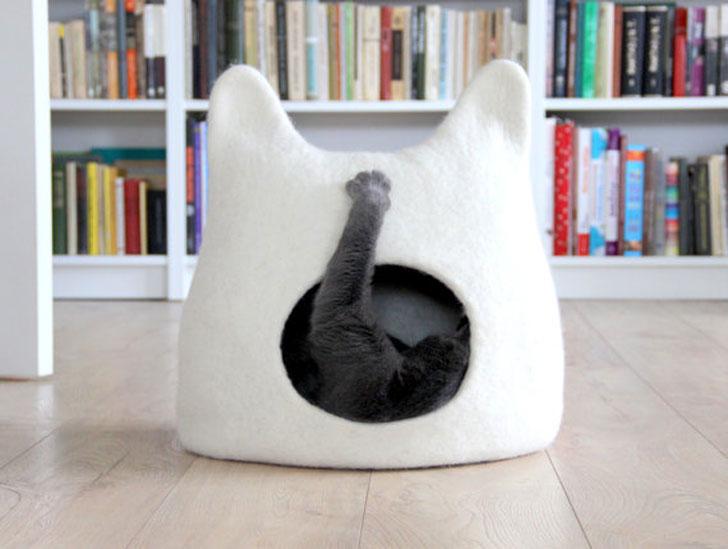 The Eco-Friendly Handmade Felt Cat Cave Bed