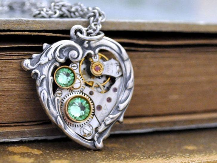 Victorian Heart Necklace With Watch Movements