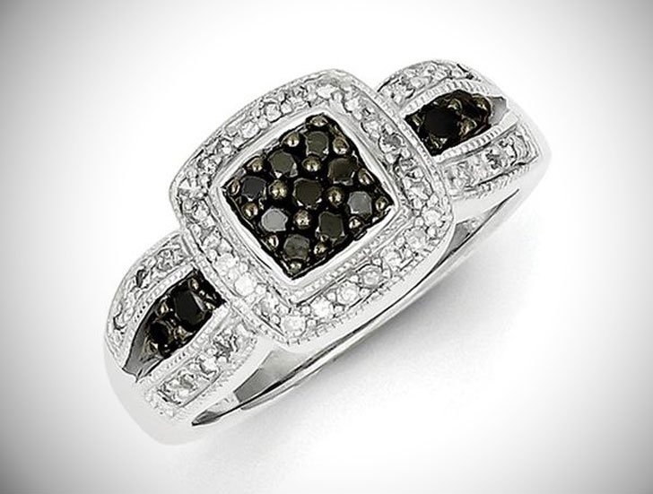 1/2 Ctw Black & White Diamond Square Tapered Ring