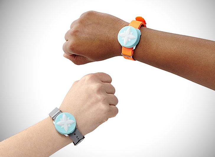 Electronic Friendship Bracelets