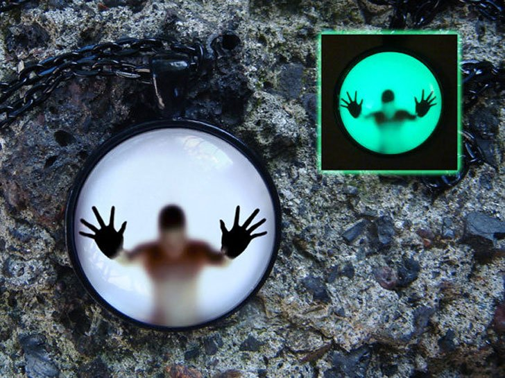 Man Behind The Glass Glow Necklace