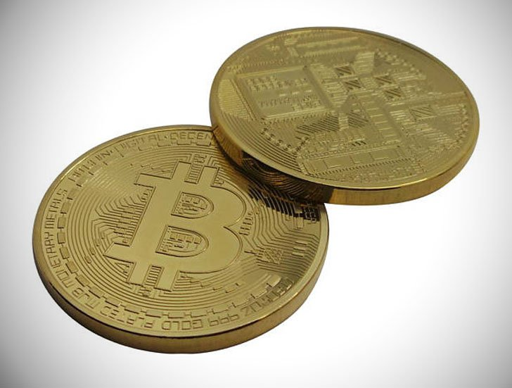 BITCOIN 24k Gold Coated with Certificate in Luxurious Gift Case