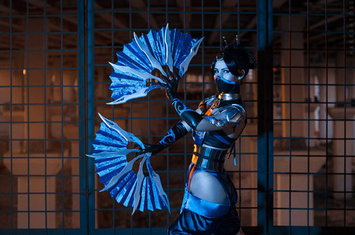 Kitana Mortal Kombat Cosplay Costume