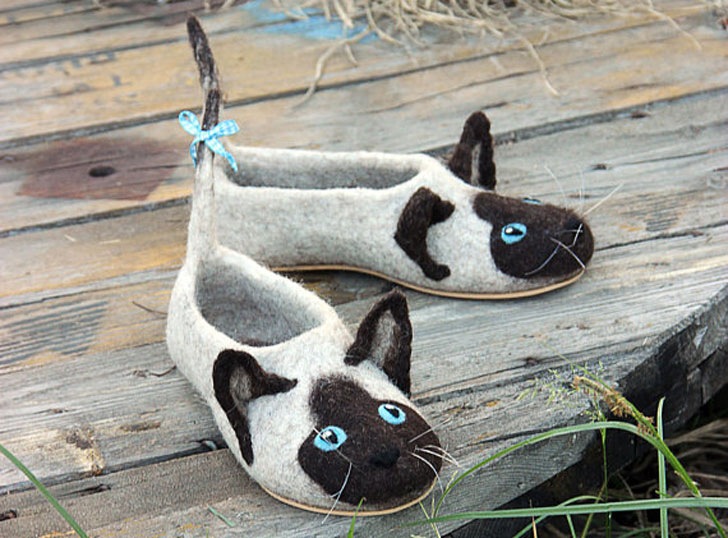 Siamese Cats Wool Slippers