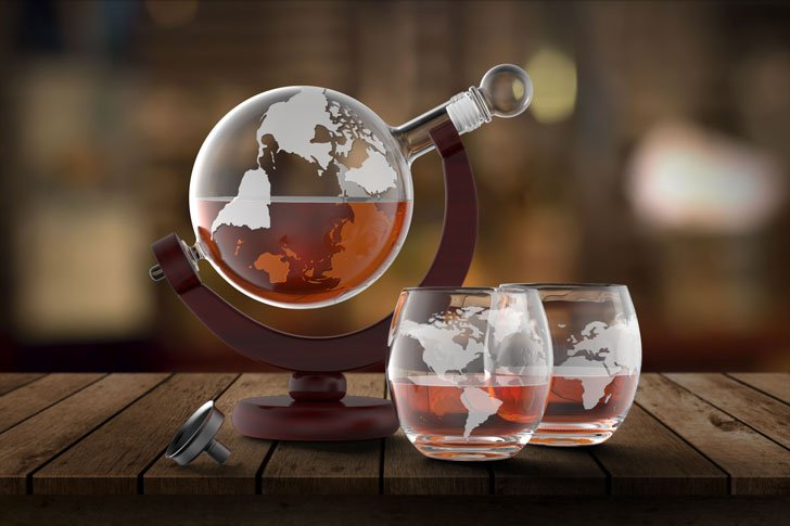 Etched World Globe Decanter with 2 Glasses