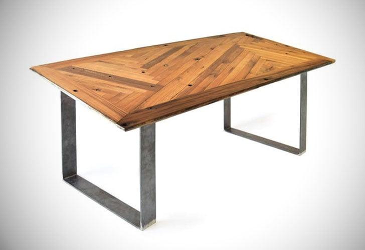 Reditum Lignaro Oak Table With Magnetic Legs