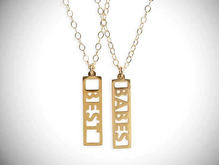 Best Babes Necklace Set