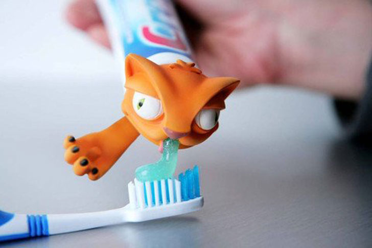 Cat Puke Toothpaste Dispenser - Cat Gifts For Cat Lovers