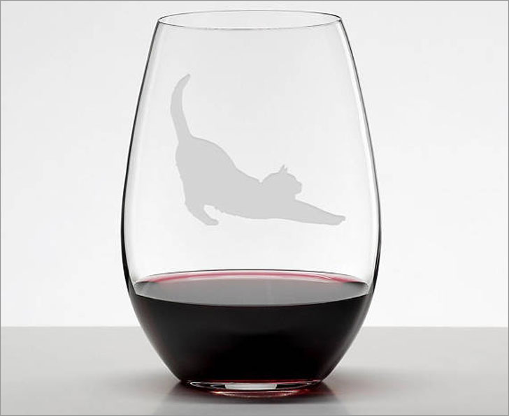 Etched Cat Stretching Wine Glasse