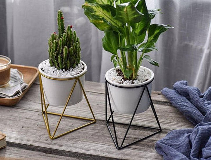 Iron Metal Geometric Plant Holder