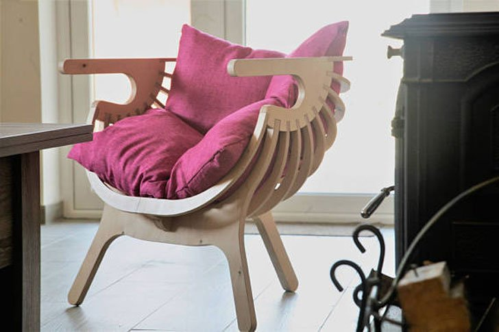 Mode Deco Wooden Reading Chair
