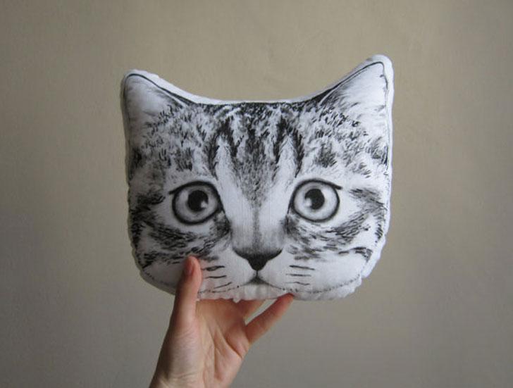Peeking Cat Cushions