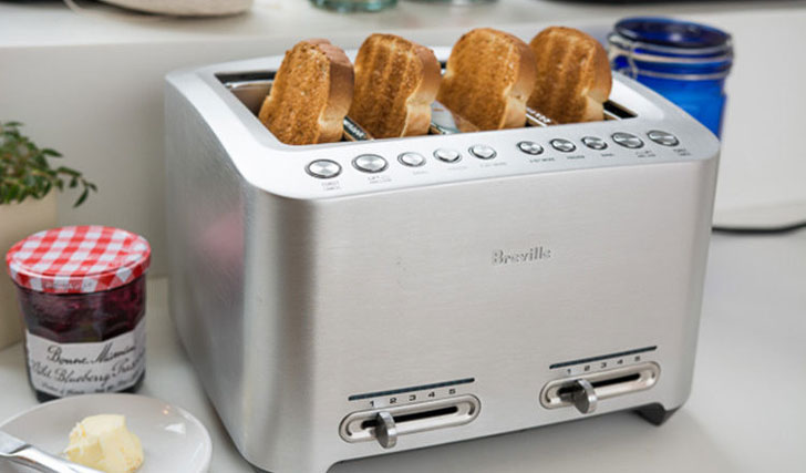 The 4 Slice Die-Cast Smart Toaster