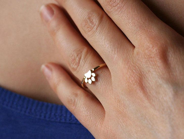 Tiny Cat Paw Ring