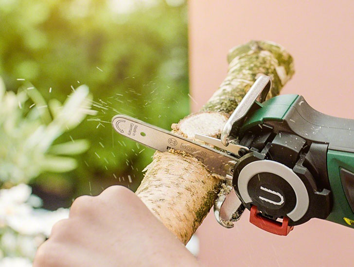 Bosch Nanoblade Mini-Chainsaw
