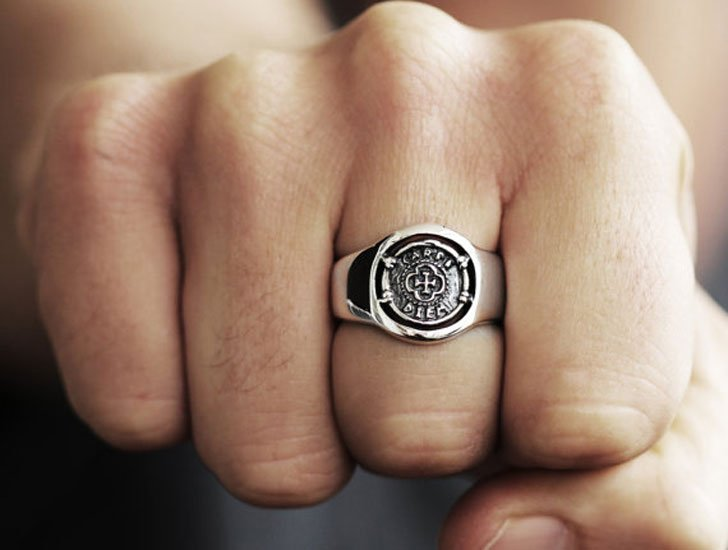 Mens Silver Carpe Diem Signet Ring - Signet Rings for Men