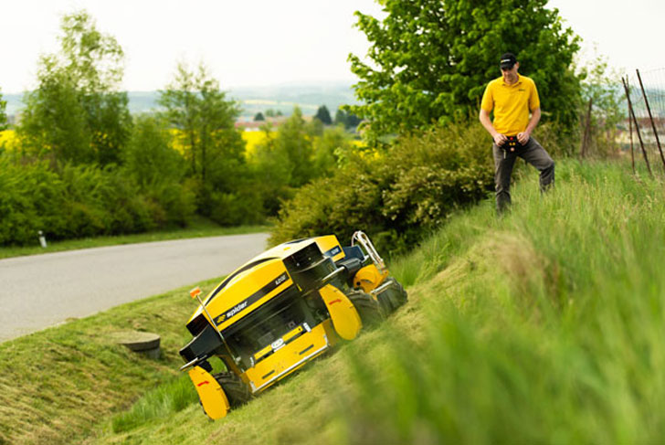 Remote Controlled Slope Lawn Mowers