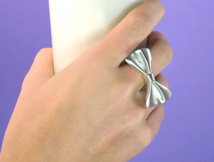 Tweedledum Silver Bow Tie Ring