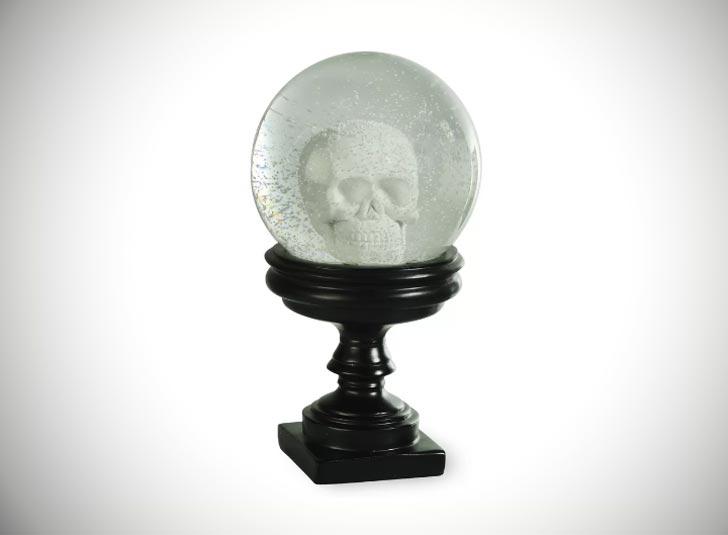 Boston International Skull Snowglobe