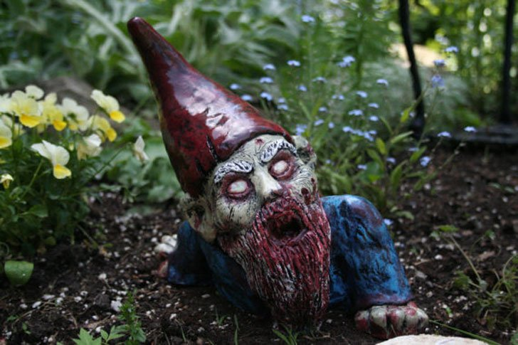 crawling zombie gnome - Funny Garden Gnomes