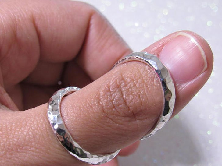 Silver Splint Hammered Wide Band Thumb Ring
