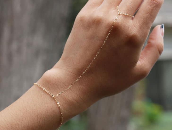 Simple Hand Chain Slave Bracelet