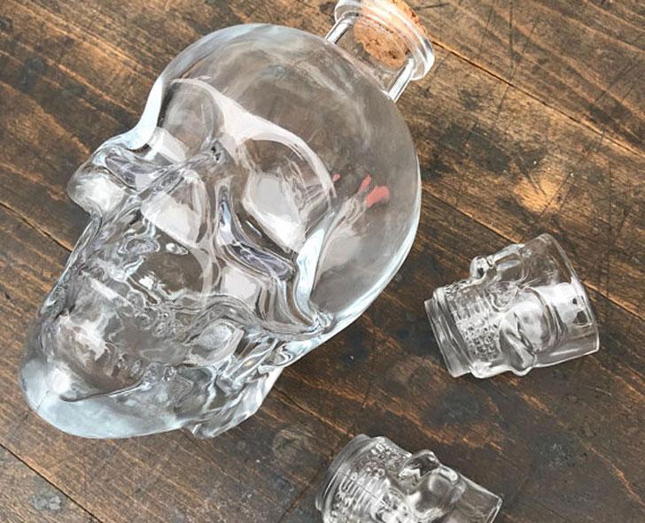 Skull Decanter Set