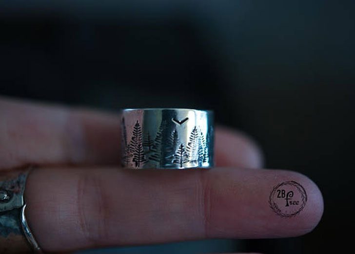 Solid Sterling Silver Mountain Scene Thumb Ring