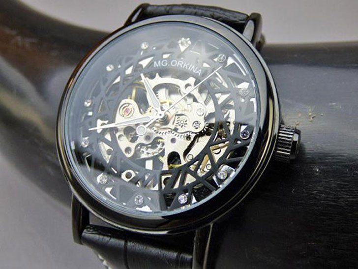 Black Mechanical Wrist Watch