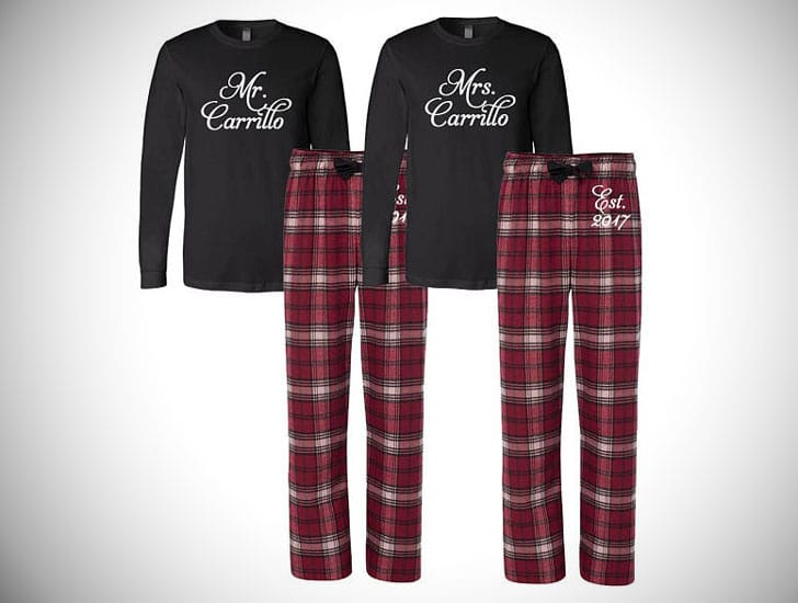 bff2fe20f6 30 Cute Matching Pajamas For Couples & Families ( Couples Pyjamas )