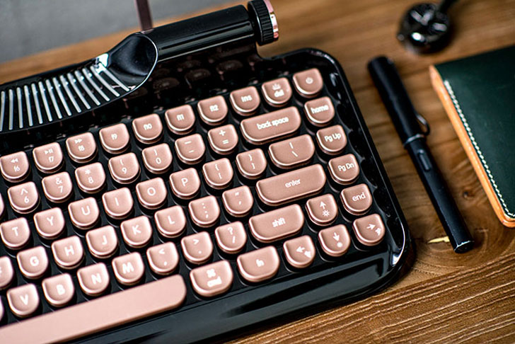 Retro Typewriter Tablet Keyboard