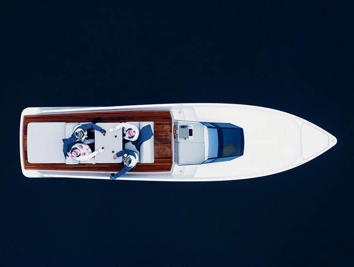 Q30 Electric Yacht