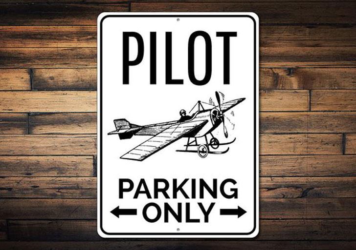 Pilot Parking Sign