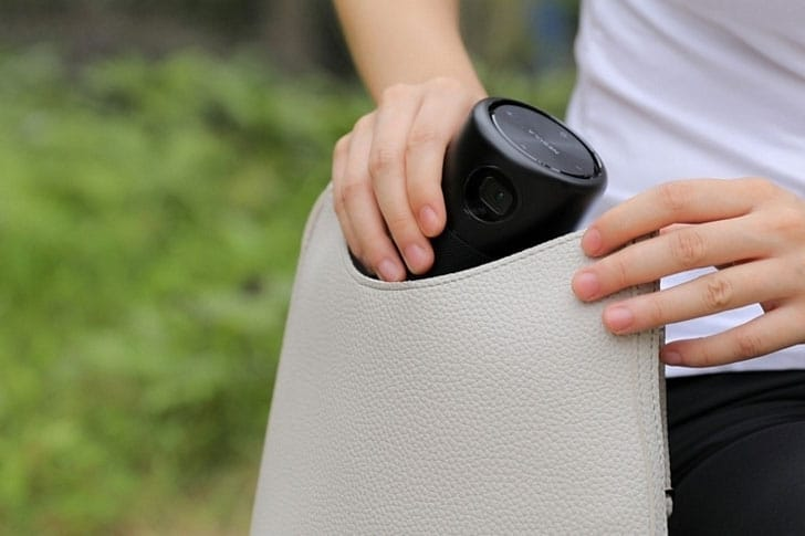 Capsule Can-Shaped Projector
