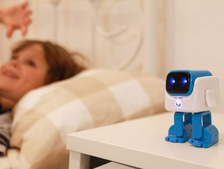 Smart Dancing Robot Speaker