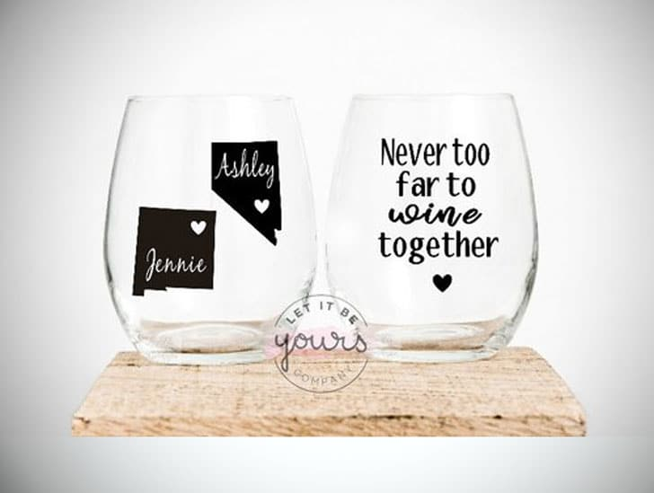 Best Friends Wine Glass