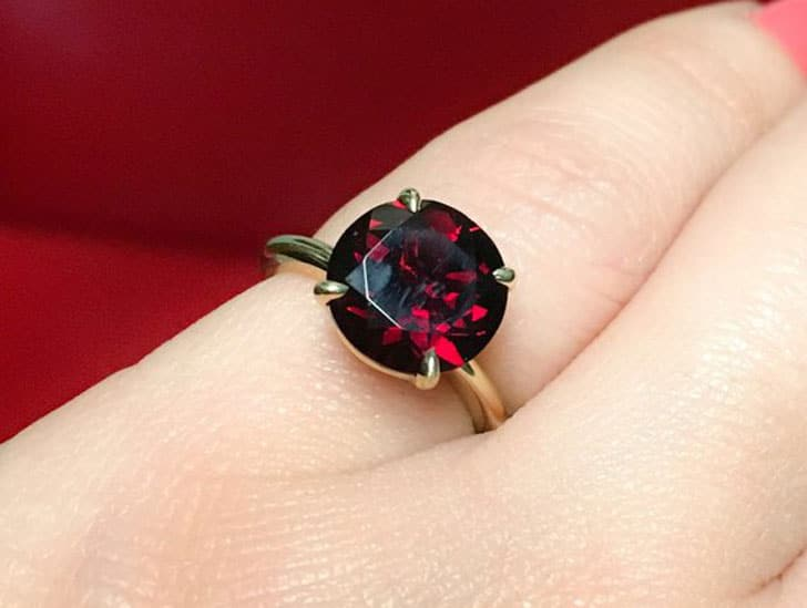 Solitaire 14K Garnet Engagement Ring
