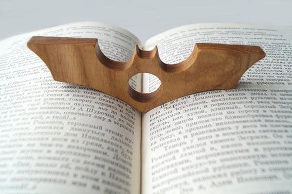 Batman Thumb Page Holder