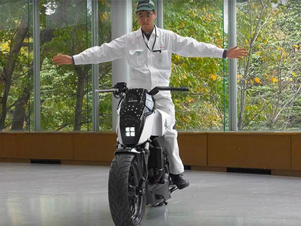 Honda's Self-Balancing Robotic Motorcycle