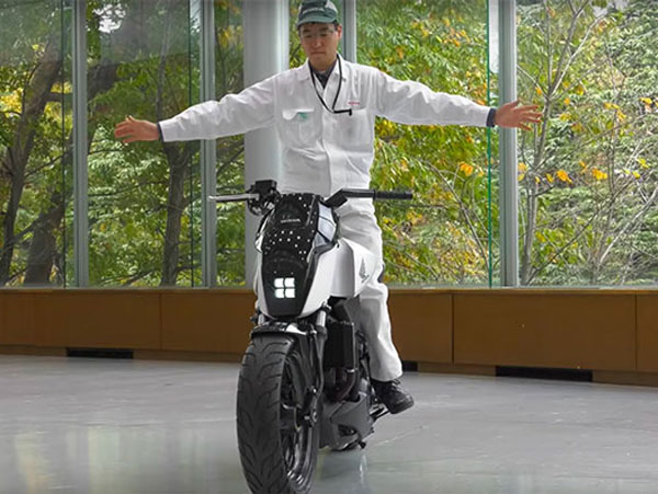 Honda's Self-Balancing Robotic Motorcycle