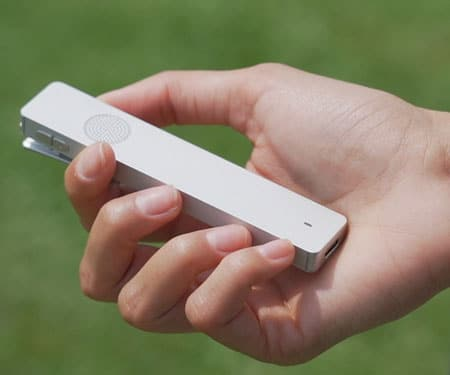 Pocket-Sized Multilingual Assistant Gadget