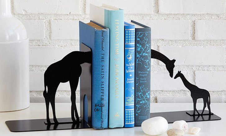 30+ Cool Bookends For Book Lovers