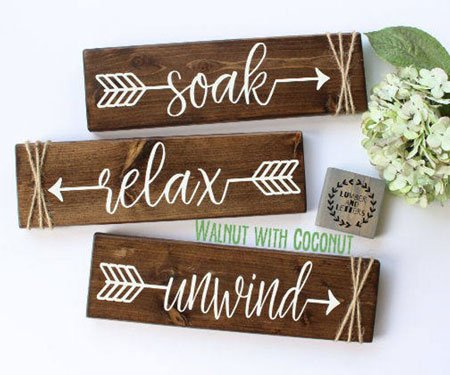 Rustic Bathroom Wall Decor