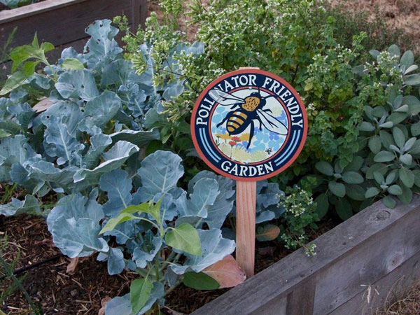 Pollinator Friendly Bee Garden Sign