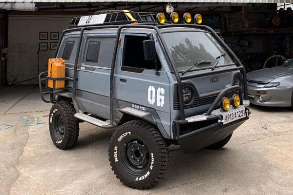 Bespoke Adventure-Ready Suzuki Battle Van