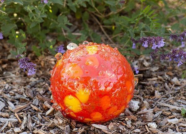 Bee Drinking Garden Ball