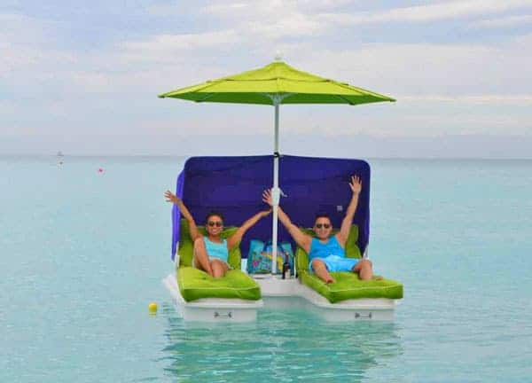 Seaduction Floats: Floating Cabana Chairs