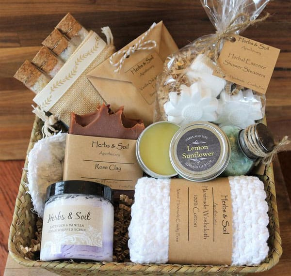 Ultra Deluxe Skincare Gift Basket - Gifts For Actors