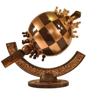 Globe Chess: Spherical Chess Sets